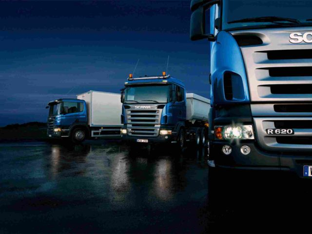 https://roblesaa.mx/wp-content/uploads/2015/09/Three-trucks-on-blue-background-640x480.jpg
